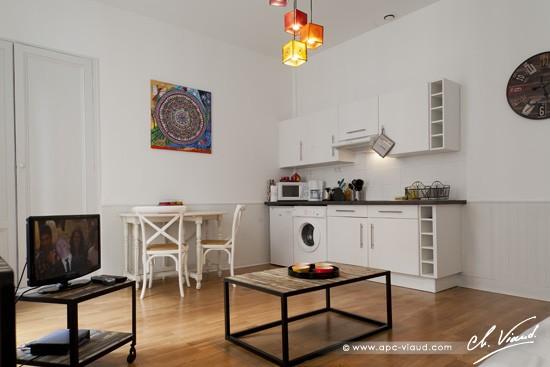 Appartement arnaud miqueu chambre d hote gite location bordeaux - Cuisine et salon dans la meme piece ...